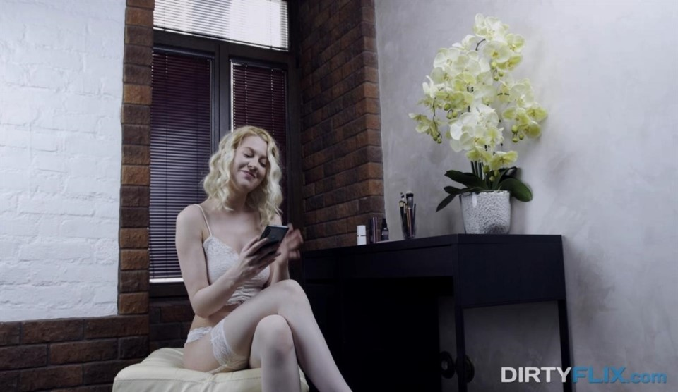 [Full HD] Aurora - White nylons blonde money fuck Aurora - SiteRip-00:29:21 | Riding, Amateur, Hardcore, Blowjob, Doggystyle, Small tits, Cumshot, Skinny, Pussy licking, Natural tits, Shaved - 2,5 GB