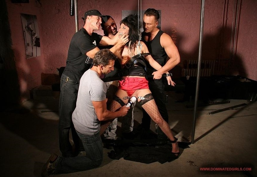 [HD] Barbie Pink. Four guys and a hooker, part 1 Barbie Pink - SiteRip-00:44:39   All Sex, Anal, Bondage, Fetish - 993,8 MB