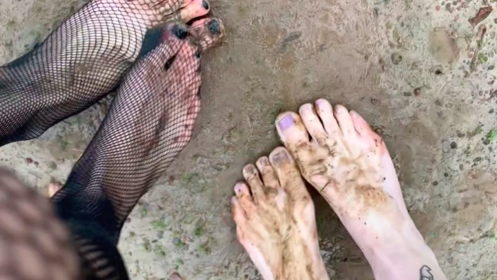 [Full HD] Blairlennox Dirty Feet In Cemetery BlairLennox - ManyVids-00:06:44 | Barefoot,Dirty Feet,Feet,Gothic,Outdoors - 967,5 MB