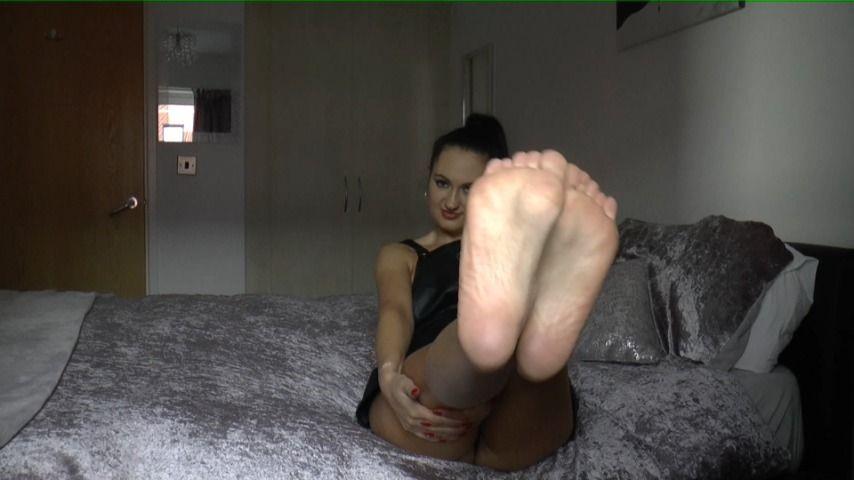 [Full HD] Bonnieb Goddess Bonnies Foot Slave BonnieB - ManyVids-00:08:04   Foot Worship,Goddess Worship,Feet,Foot Slave Training,Foot Fetish - 507,2 MB