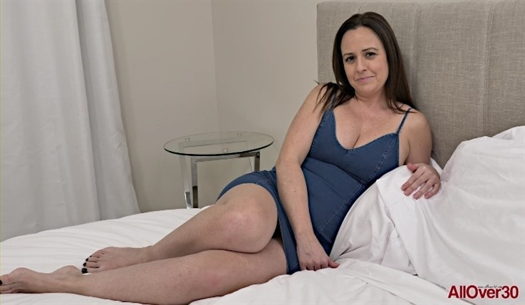 [Full HD] Brandii Banks - Interview 28.01.20 Brandii BanksModels Age: 42 - SiteRip-00:11:02 | Medium Tits, Posing, Big Butt, Mature, Solo - 463,6 MB