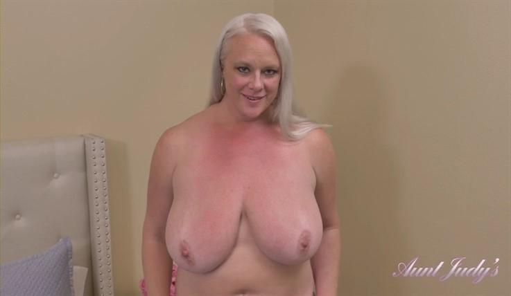 [Full HD] Cameron - Seduces Sucks &Amp; Fucks Naughty Nephew 06.06.20 Cameron - SiteRip-00:22:24 | POV, MILF, Seduction, Over 40, Masturbation, Blowjob, Blondes, Fullbush, Handjob, Big Tits, Curvy - 1,1 GB
