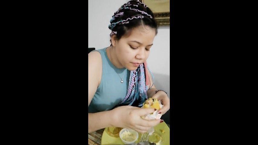 [SD] Carolina Hairy Eating Sushi Carolina_Hairy - ManyVids-00:04:46 | Eating,Braids,Hairy Armpits,Hairy Bush,Big Ass,SFW - 59,7 MB
