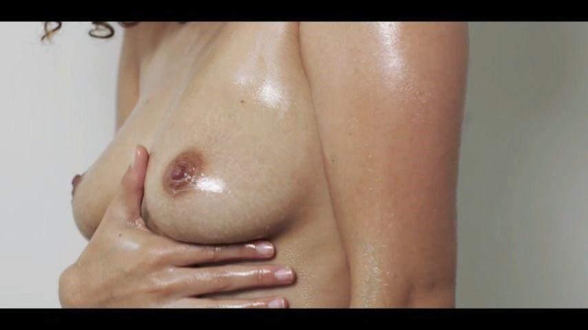 [HD] Cecilia Lion Like A Babys Bottom Cecilia Lion - ManyVids-00:06:14 | Ebony,Ebony Ass Worship,Oil,Tit Play,Tit Worship - 60,2 MB