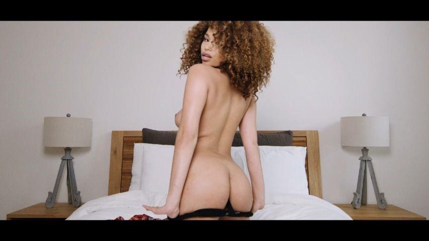 [HD] Cecilia Lion Slow Motion Strip Tease Cecilia Lion - ManyVids-00:06:19 | Ebony,Strip Tease,Slow Motion,Body Worship,Ass Shaking - 324,7 MB