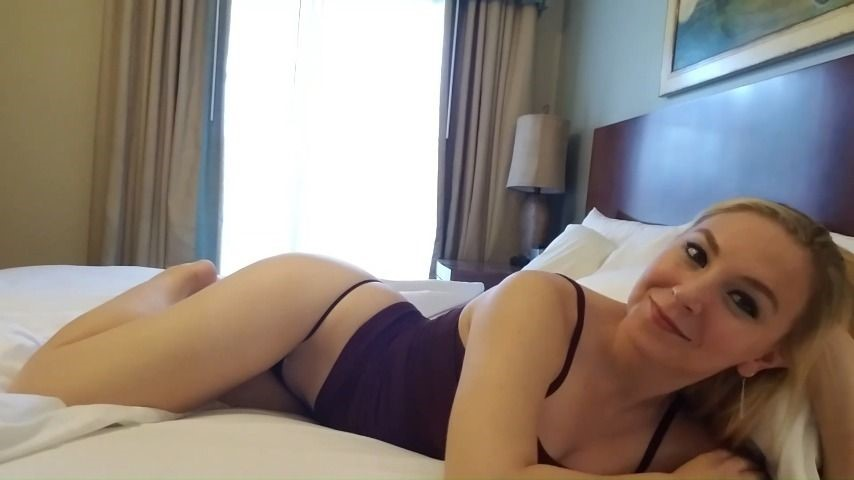 [Full HD] Clair Elizabeth Laying In Bed Touching Myself Tease Clair Elizabeth - ManyVids-00:03:07 | Amateur Solo,Sensual,Solo Female,Thong Fetish,Eye Contact,SFW - 58,5 MB