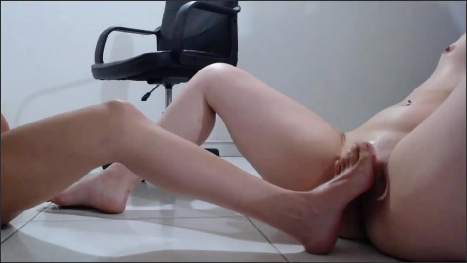 [HD] coosmiclisa-girlfriend-with-squirt-feet-fetish coosmiclisa - ManyVids-00:04:08 | Squirting,Foot Fetish,Foot Worship,Foot Play,Feet - 30,9 MB