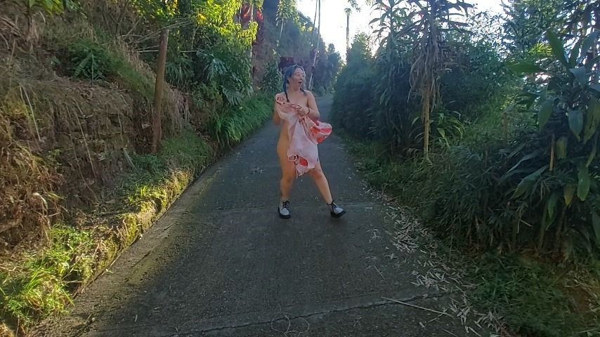 [Full HD] Coosmiclisa-Walking-Naked-In-Street Coosmiclisa - ManyVids-00:01:05 | Exhibitionism,Running Gag,Nudity/Naked,Braids - 52,7 MB