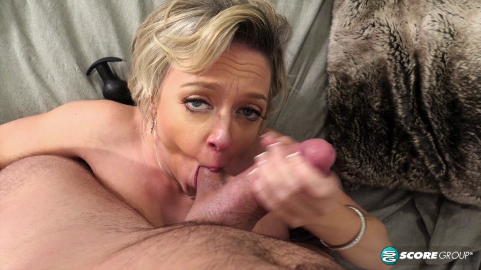[4K Ultra HD] Dee Williams - Does It All With You 16.01.20 Dee Williams - SiteRip-00:27:56 | Toy, Big Tits, POV, All Sex, MILF, Blonde, Doggy Style, Blowjob, Cumshot, High Heels, Anal, Mature, TitF...