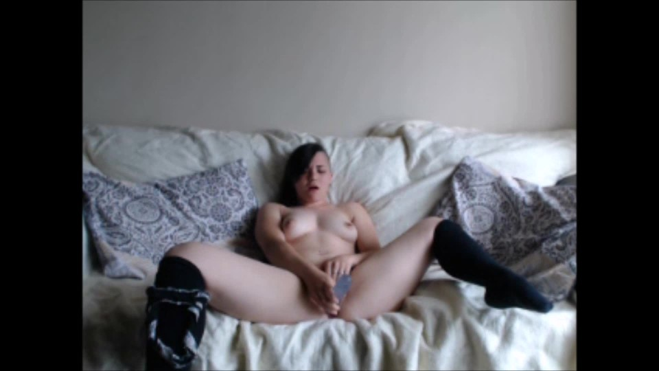 [Full HD] Delilahreigns Solo Double Ended Dildo Delilahreigns - ManyVids-00:07:53 | Ass,Blowjob,Dildo Fucking,Dildo Sucking,Socks - 428,1 MB