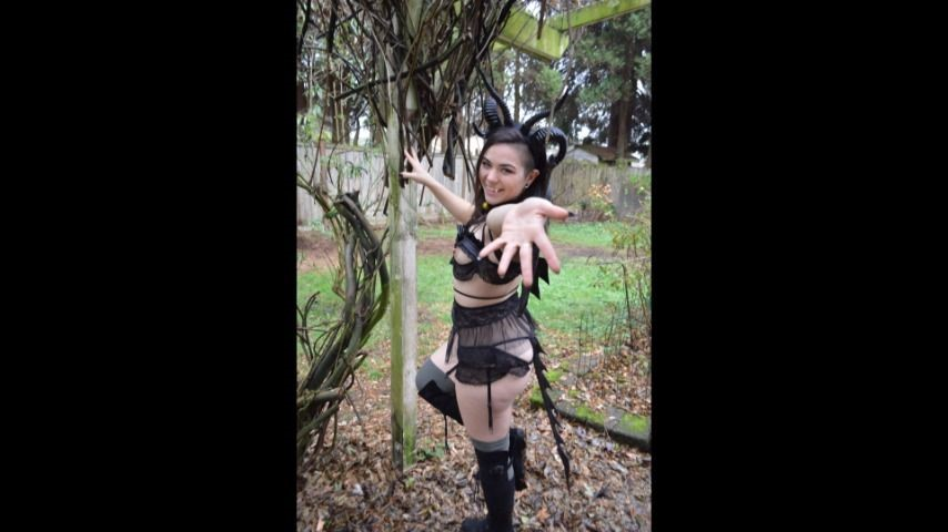 [Full HD] delilahreigns succubus audio with full photo set Delilahreigns - ManyVids-00:30:30 | Blowjob,Cosplay,Costume,Kink,Photo Shoot - 1,9 GB
