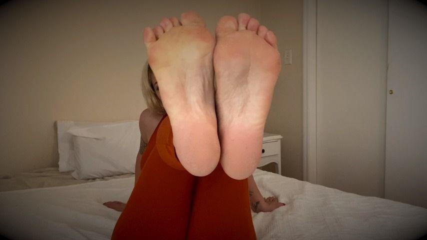 [Full HD] Della Dane Footjob Joi Della Dane - ManyVids-00:06:56 | Feet JOI,Footjobs,JOI,POV,Cum Countdown - 999,7 MB