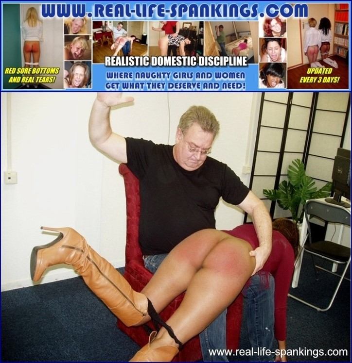 [Full HD] Emily gets a hard spanking for missing a few classes Emily, Mike - SiteRip-00:08:54 | Indian, Spanking - 523,6 MB