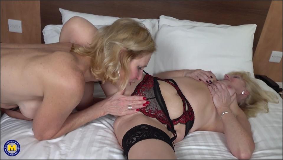[Full HD] Emily Jane Emily Jane (EU) (64) & Molly Maracas (EU) (55) - SiteRip-00:30:17 | Shaved, Lesbian, Masturbation, Toys - 1,7 GB