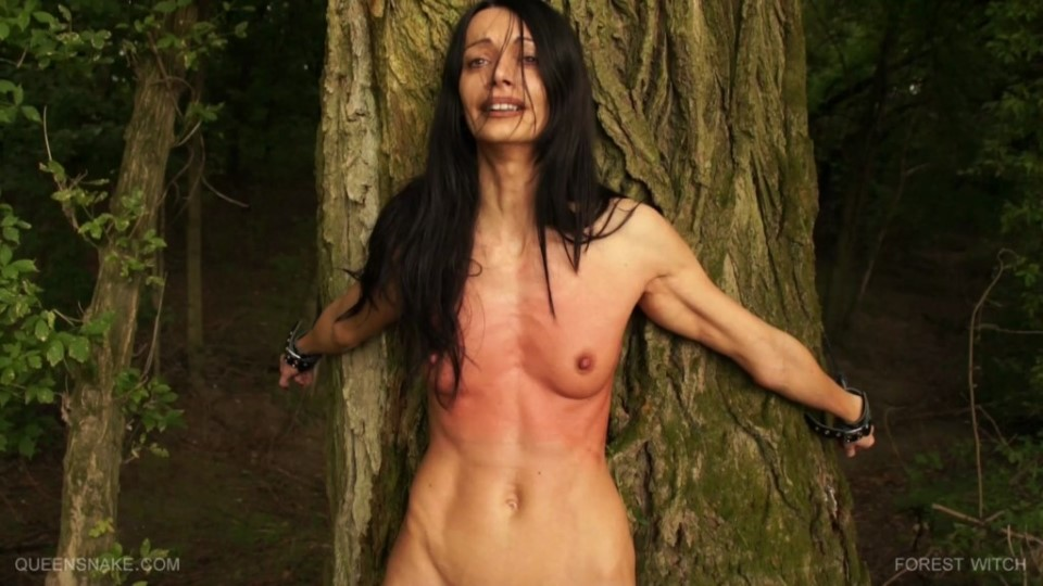 [Full HD] Forest Witch Queensnake, Nazryana - Queensnake Studio-00:34:38 | Nettle, Bondage, Trampling, Lezdom, Nipples, Outdoor, BDSM, Whipping - 1,5 GB