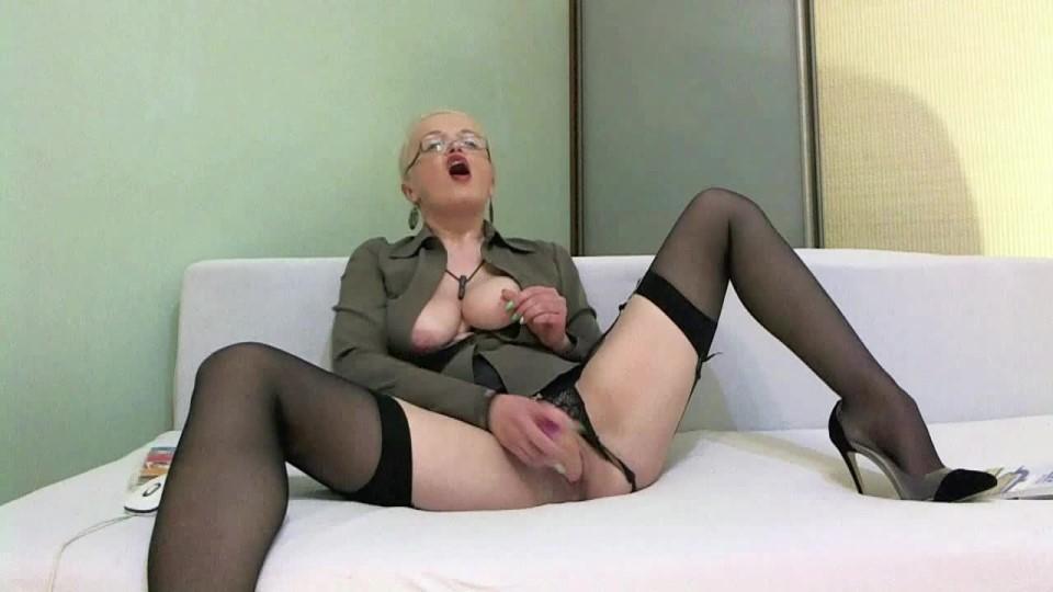 [HD] Julztaylor Hot Teacher Gets Nasty Part 2 JulzTaylor - ManyVids-00:10:02 | Cosplay,Fucking,Role Play,Solo Masturbation,Vibrator - 447,7 MB
