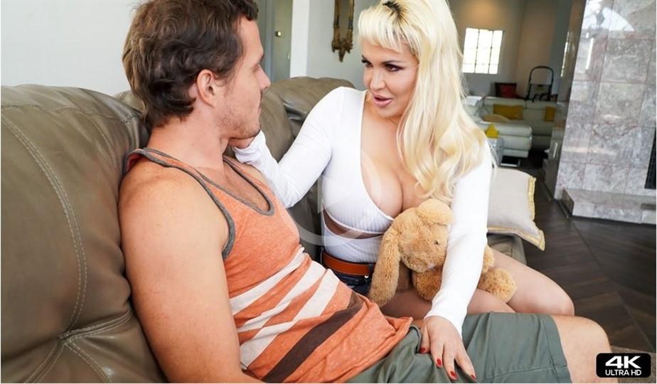 [4K Ultra HD] Kelly West. Look What I Found Kelly West - SiteRip-00:18:05 | Ball Licking, Cumshot, Oral, Saliva, Tittyfuck, MILF, Big Tits, Reality, Deepthroat, Blowjob, Gagging, Huge Tits, Blonde - 1,9 GB
