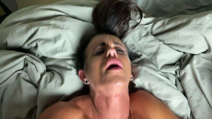 [HD] Lauramuscles-Fuck-It-Hurts LauraMuscles - ManyVids-00:06:02 | Amateur,Amateur Couple,Anal,Creampie,Muscular Women - 151,1 MB