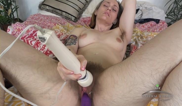 [Full HD] Laurent - Hitachi Sex Machine Duo 14.03.20 Lauren Laurent - SiteRip-00:13:08 | Solo, Bush, Toys, Small Tits, Hairy - 694,9 MB
