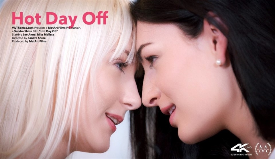 Lee Anne & Miss Melissa - Hot Day Off