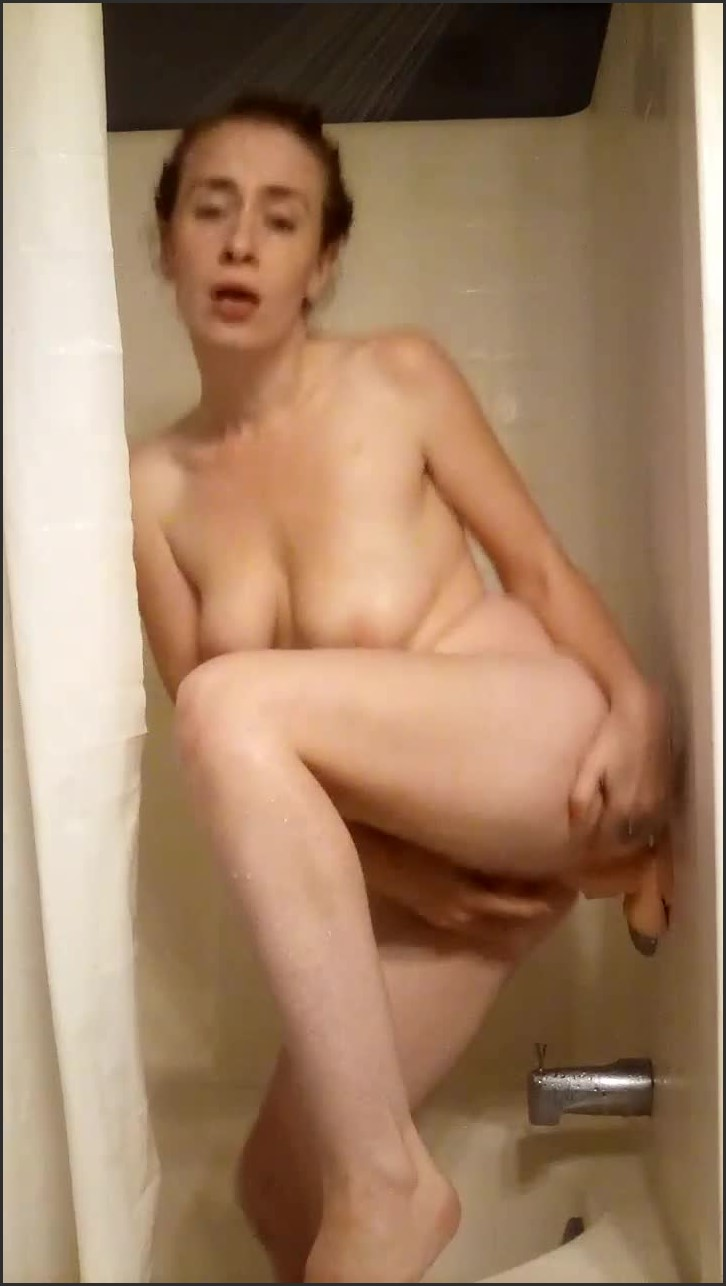 Lucylove247 A Delightfully Dirty Shower