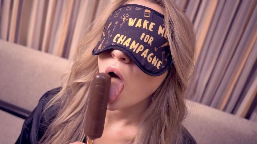 [Full HD] Luxurymur Did I Guess The Taste Of The Ice Cream LuxuryMur - ManyVids-00:11:49 | POV Blowjob,Fetish,Cum In Mouth,Blonde,Games - 365 MB