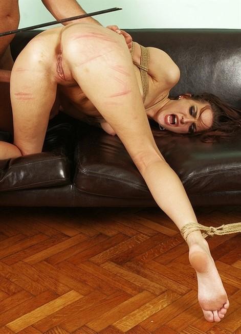 [Full HD] Lyen Parker - A Good Slave Comes Handy Lyen Parker - SiteRip-00:19:58   Hardcore, Fetish, All Sex, BDSM, Bondage - 885,2 MB