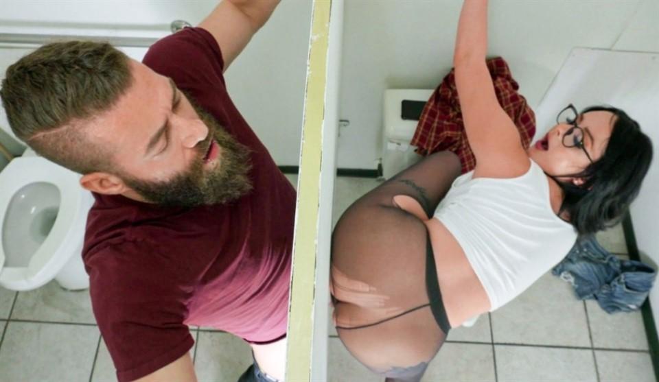 [Full HD] Macey Jade - Hole In The Wall Macey Jade - SiteRip-00:38:11 | All Sex, Facial, Creampie, Glory Hole, Blowjob, Big Tits, Cum On Ass, Handjob - 939,1 MB