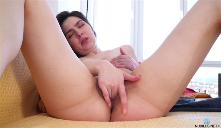 [Full HD] Monica Melody - The Girl Nextdoor 21.07.20 Mix - SiteRip-00:15:26 | Big Nipples, Long hair, Solo, Shaved Pussy, Brunette, Masturbation, Lingerie, Small Boobs - 891,9 MB