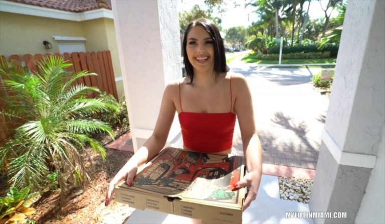 [Full HD] Natana Brooke - Pizza Girl Gets A Big Tip Natana Brooke - SiteRip-00:26:17   Creampie, Pov, Hot, Doggystyle, Big Ass, Sexy, White Girl, All Sex, Blowjob - 1013,5 MB