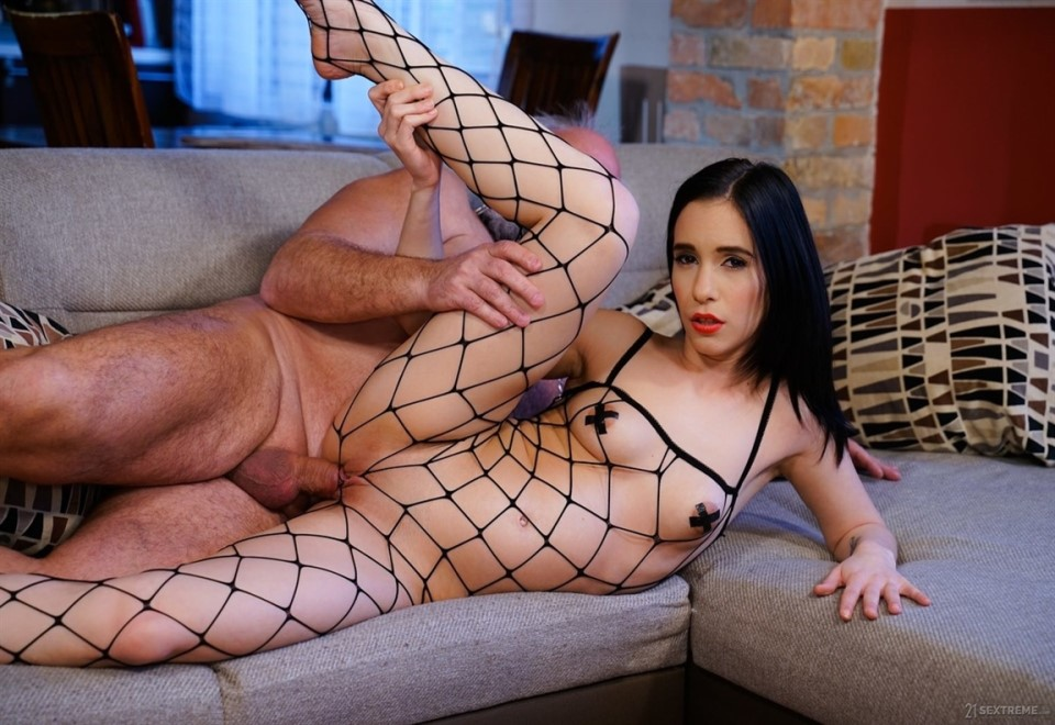 [Full HD] Nikki Fox - The Young Domme From Next Door Mix - SiteRip-00:22:16 | Natural Tits, Cumshot, Grandpa, Femdom, Babes, One On One, Pussy Licking, OldYoung, Deepthroat, Brunette, Fetish, Blowj...
