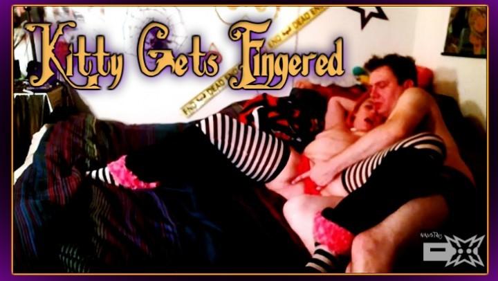 [Full HD] ninjastarz kitty gets fingered spooky finger fuck NinjaStarz - ManyVids-00:06:01 | Assisted masturbation,Fingering,Halloween,Masturbation,Stocking - 987,1 MB