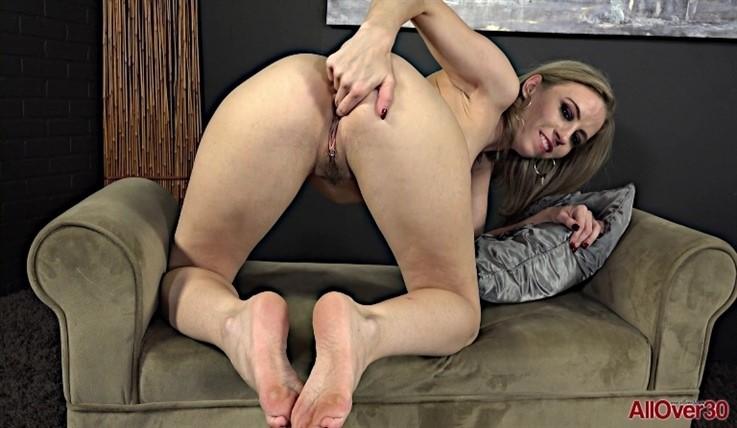 [Full HD] Norah Nova - Mature Fetish 03.04.20 Norah NovaModels Age: 31 - SiteRip-00:09:41 | Solo, Masturbate, Hairy Pussy, Fetish, Posing, Mature - 899 MB