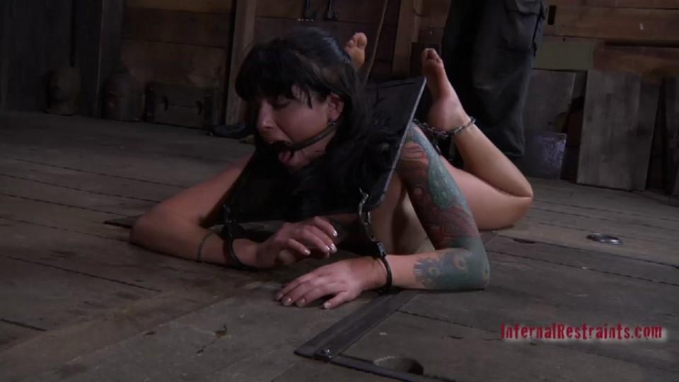 [HD] October 15, 2010 Bent Tricia Oaks, PD Mix - SiteRip-00:53:43 | Spanking, Torture, Hummulation, Canning, BDSM, Bondage - 604,4 MB