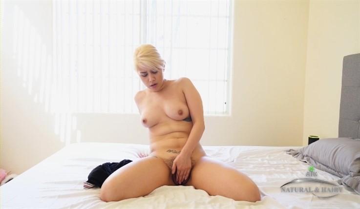 [Full HD] Penelope Reed - Solo Hairy Masturbation 13.03.20 Penelope Reed - SiteRip-00:12:59 | Masturbate, Solo, Big Tits, Hairy - 686,3 MB