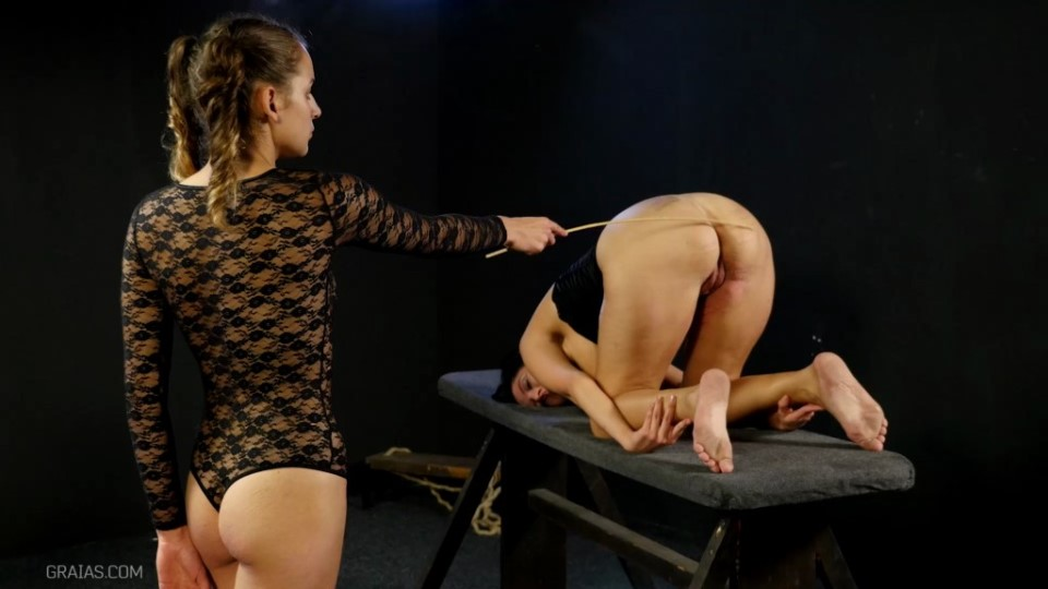 [Full HD] Roxy And The Wheel Of Full Pain Mix - Graias-00:24:24 | Caning, BDSM, Humiliation, Pain, Torture - 814,5 MB