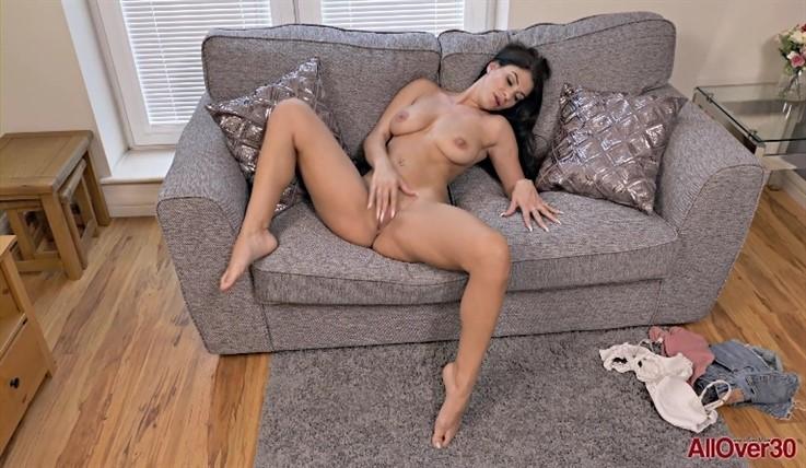 [Full HD] Roxy Mendez - Mature Pleasure 27.07.20 Roxy MendezModels Age: 31 - SiteRip-00:10:49   Big Tits, Masturbate, Posing, Mature, Solo - 1,2 GB