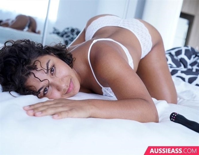 [HD] Rubi Valentine Rubi Valentine - SiteRip-00:12:57 | Vibrator, Hairy, Natural Tits, Solo, Small Tits, Brunette, Masturbation, Latina - 752,9 MB