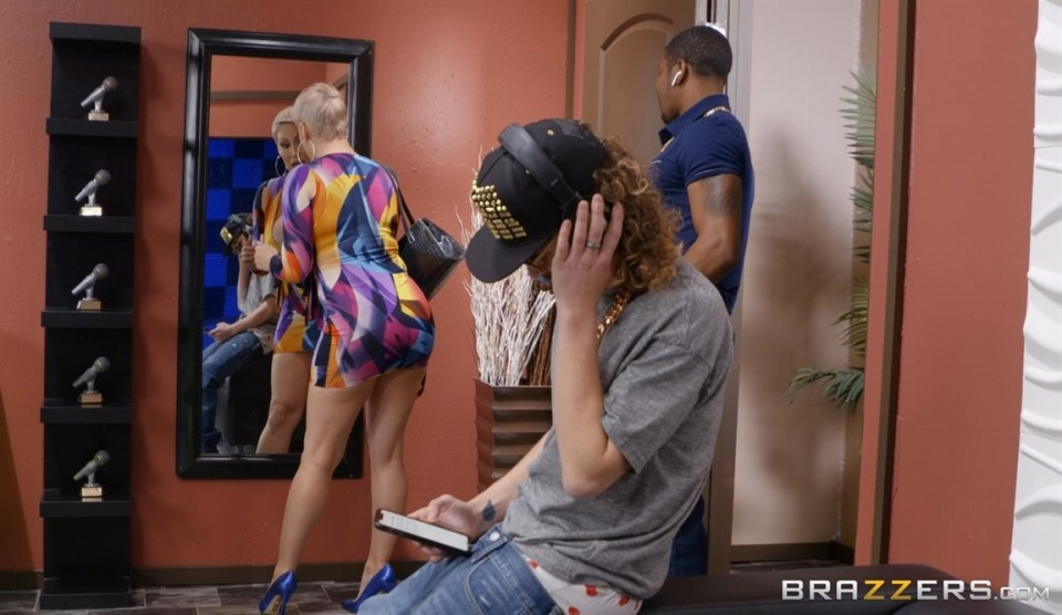 [Full HD] Ryan Keely Pounded By The Producer Ryan Keely - SiteRip-00:27:36 | Dress, Outie Pussy, Mom, Thong, High Heels, Big Ass, Trimmed Pussy, Medium Skin, Blonde, Sneaky, Enhanced, Average Body,...