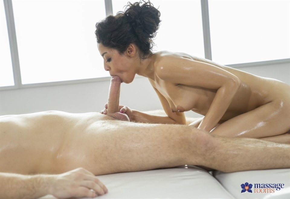 [Full HD] Scarlet Rebel - Oily massage for Latina babe. All Sex, Blowjob, 1080p Scarlet Rebel - SiteRip-00:30:40 | Blowjob, All Sex - 1,1 GB