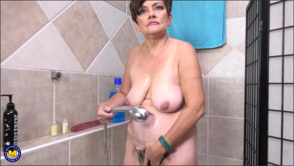 [Full HD] Sisi - Hairy granny with saggy tits is getting wet Sisi (58) - SiteRip-00:29:25 | Toys, Solo, Hairy, Masturbation - 1,4 GB