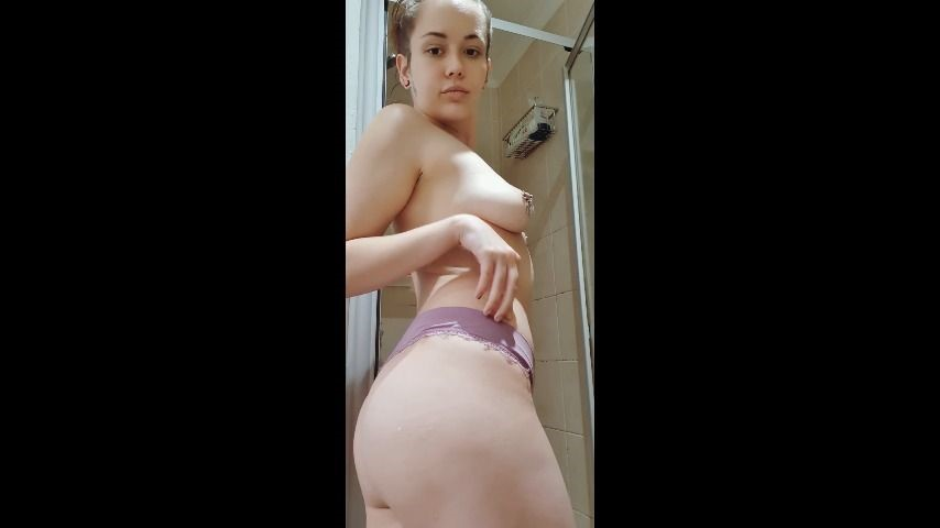 [SD] Skylar Grey Watch Me Shower Skylar Grey - ManyVids-00:09:48   Shower,Shower Scenes,Wet Look,Tattoos,Piercings - 172,5 MB