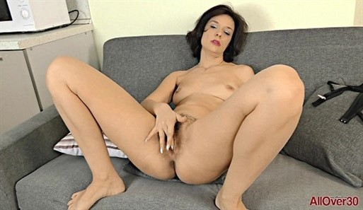 [Full HD] Stephania - Mature Pleasure 15.07.19 StephaniaModels Age: 37 - SiteRip-00:15:25 | Masturbate, Mature, Hairy, Solo - 1,8 GB