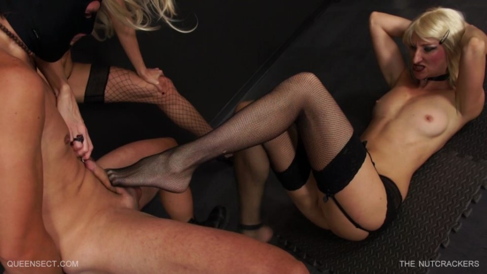 [Full HD] The Nutcrackers Nazryana, Queensnake - QueenSnake-00:25:22 | cbt, femdom, ballbusting, BDSM, kicking - 1,5 GB