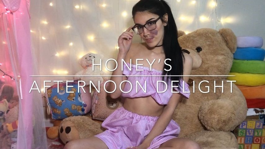 [Full HD] Thistle Fernsby Honey S Afternoon Delight Thistle Fernsby - ManyVids-00:11:49 | Creamy,Dirty Talking,Fingering,Masturbation,Smoking - 1,3 GB