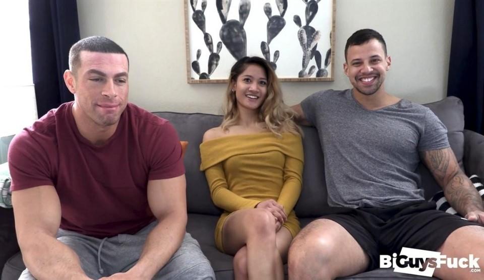 [Full HD] Tina Torres Makes Tony Romero Jealous As She PEGS Like A PRO On Sean Costins Hole Tony Romero, Sean Costin, Tina Torres - BiGuysFUCK.com-00:26:22   Hardcore, Threesome, Bisexual, Vaginal ...