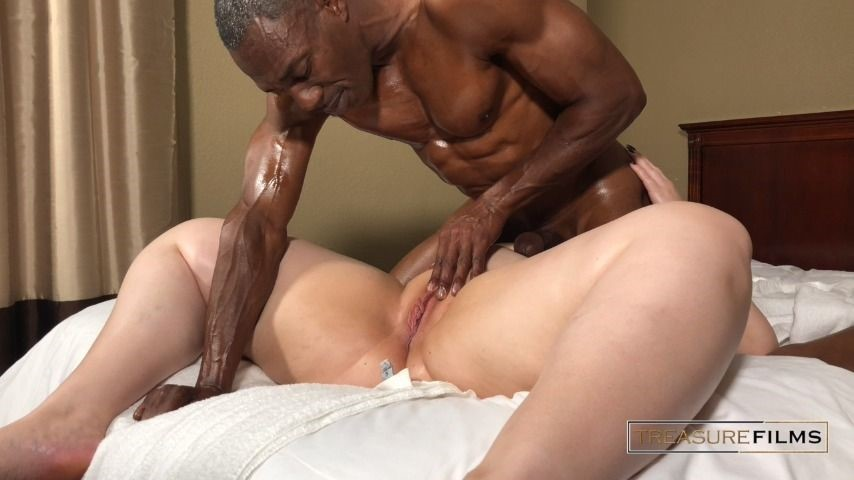 [HD] Treasure Films Tantric Massage 101 Treasure_Films - ManyVids-00:33:15 | BBW,Interracial,Lotion/Oil Fetish,Massage,Oral Sex - 310,6 MB