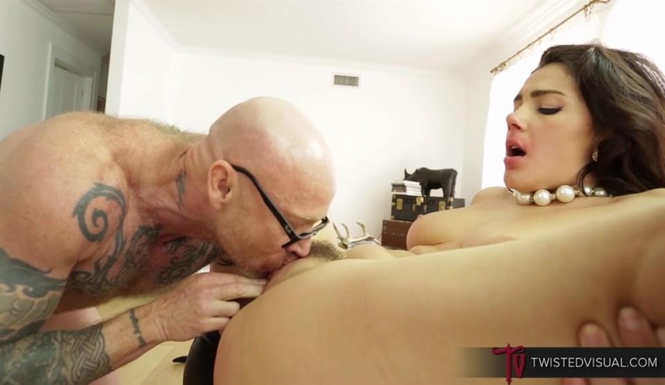 [Full HD] Valentina Nappi & Buck Angel - WhoS The Man Mix - SiteRip-00:28:16 | Orgasm, Pussy Licking, Big Ass, Lesbian, Masturbation, Man With Pussy - 1,6 GB