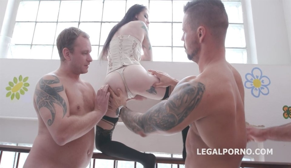 [HD] Wet Farts Anna de Ville starts a series and teaches how to do it Anna de Ville, Thomas Lee, Angelo Godshack, Tomas, Larry Steel - SiteRip-01:01:47 | Gangbang, Farts, Anal, Gape, Pissing, Gape,...