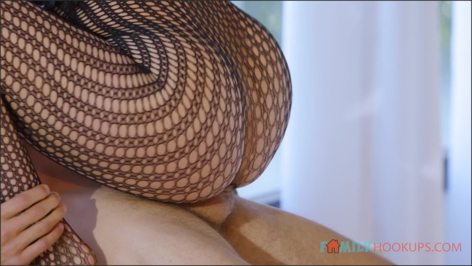 [Full HD] Amy Fawx Fucks Her Horny Stepson After He Catches Her Practicing Her Stripping Amy Jean Snyder ( - SiteRip-00:24:14   Mom, Incest, USA, Backside, Uniform, Bubble, Rear, Boobs, Hairy, High...